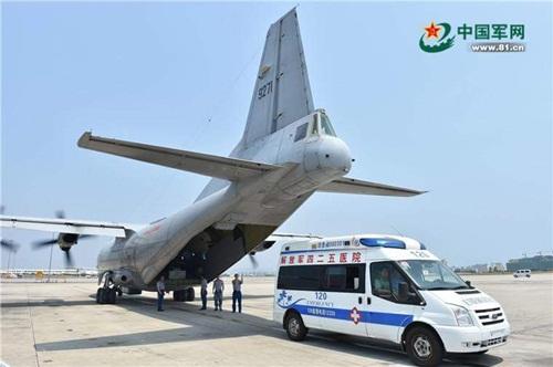 Mỹ chỉ trích Trung Quốc đưa máy bay quân sự Y-8 ra đá Chữ Thập 1