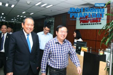 Phó Thủ tướng Trương Hòa Bình thăm Báo Đời sống và Pháp luật 1