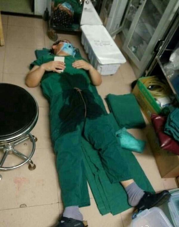 Những bức ảnh ngành y gây xúc động cư dân mạng 3