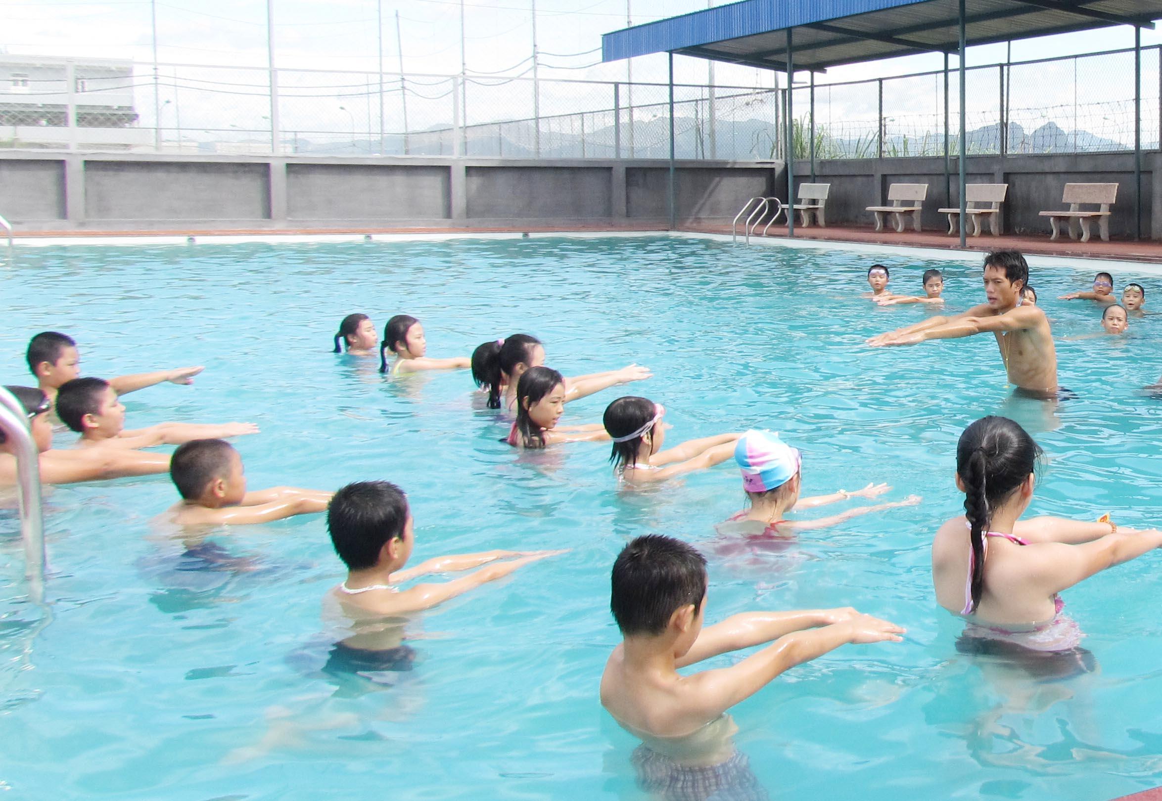 Sẽ xây dựng bể bơi trong trường học? 1