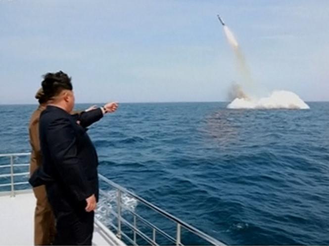 Triều Tiên tuyên bố phóng thử thành công tên lửa đạn đạo từ tàu ngầm 1