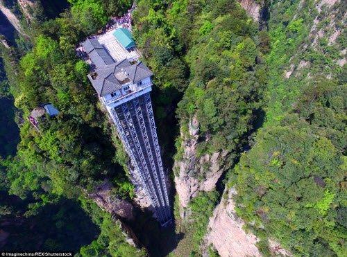 Cận cảnh thang máy nguy hiểm nhất trên thế giới 1