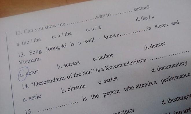 'Hậu duệ mặt trời' vào đề thi Lý, Văn, Anh, gây sốt 3