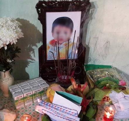 Bé 8 tuổi bị mẹ ép uống thuốc diệt cỏ ở Hải Dương đã tử vong 1