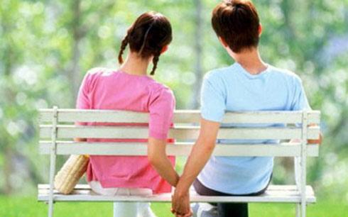 Cha mẹ nên làm gì khi phát hiện con yêu sớm? 1