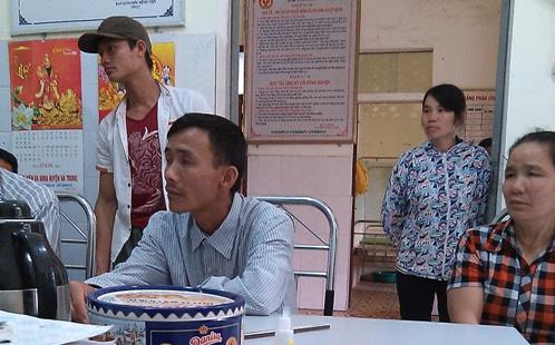 Bé sơ sinh ở Thanh Hóa suýt bị chôn sống 1