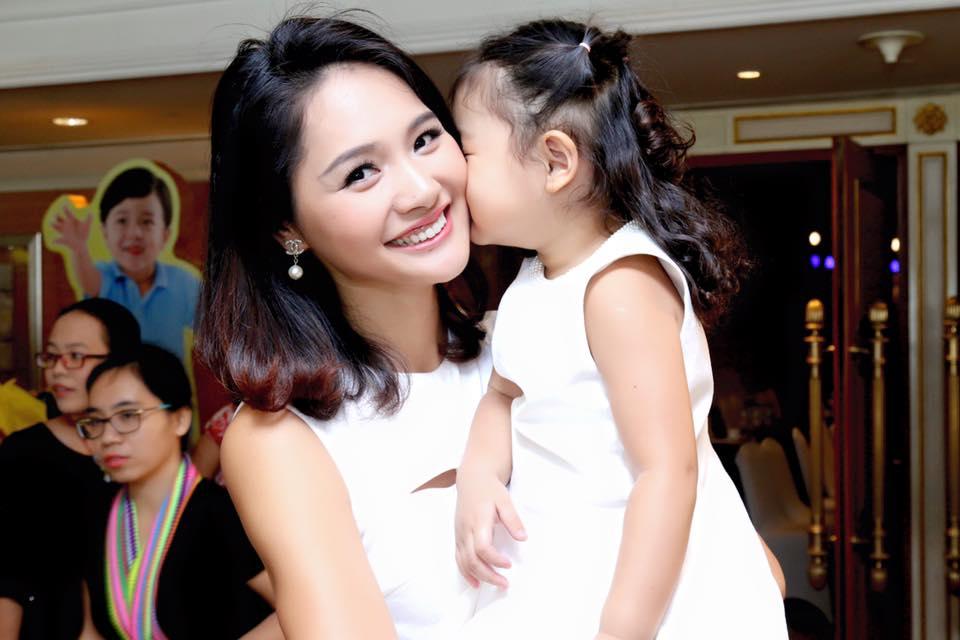 Hoa hậu Hương Giang tiết lộ mang thai con thứ hai 3