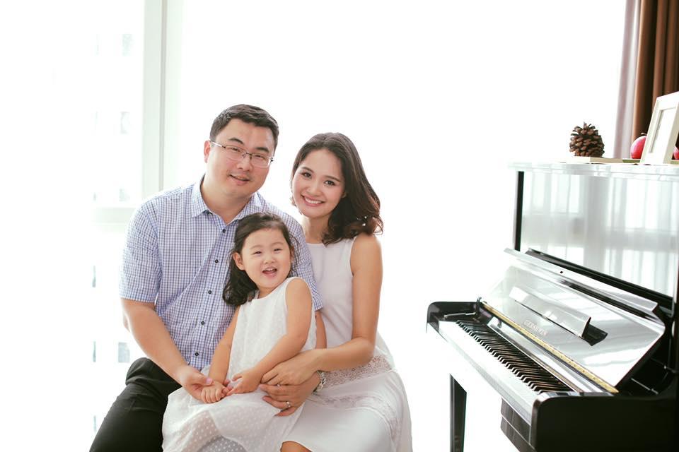 Hoa hậu Hương Giang tiết lộ mang thai con thứ hai 1