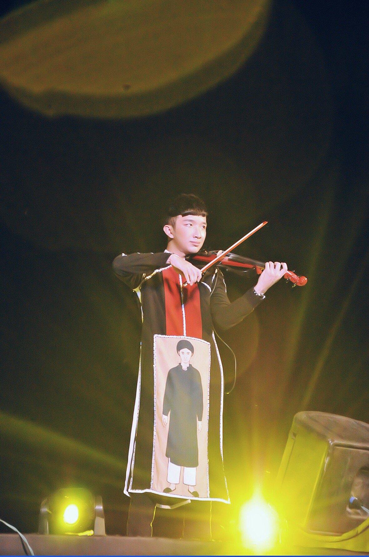 Nghệ sĩ violin Hoàng Rob thăng hoa tại Festival Huế 2016 1
