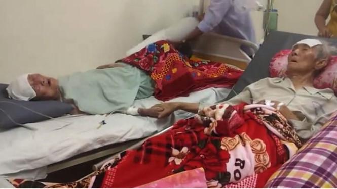 Rơi lệ với đôi vợ chồng hơn 90 tuổi nắm chặt tay nhau trên giường bệnh  1