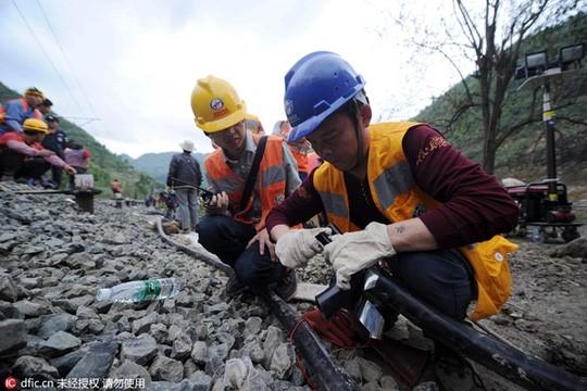 Lở đất tại Trung Quốc, 35 công nhân mất tích 3
