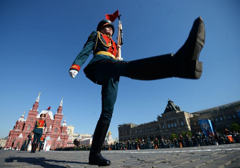 Những hình ảnh ấn tượng nhất trong lễ duyệt binh của Nga 1