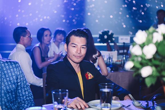Trương Ngọc Ánh thân thiết bên Kim Lý 'mặc' Trần Bảo Sơn ngồi kế bên 3