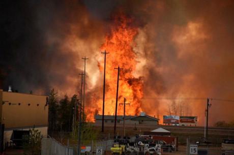 Cháy rừng tại Canada tiếp tục lan rộng 3