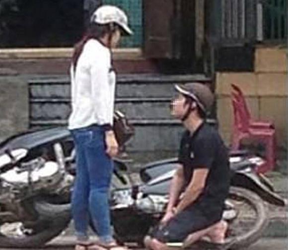 Bắt người yêu quỳ xin lỗi trên phố rồi quay clip, cô gái gây sốc dân mạng  3