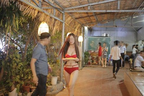 Vụ nhân viên mặc bikini phục vụ khách: Nhà hàng bị phạt 40 triệu đồng 1