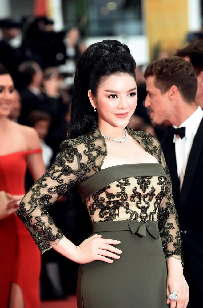 'Bà trùm' kim cương Lý Nhã Kỳ xuất hiện kiêu sa, lộng lẫy trên thảm đỏ LHP Cannes 3