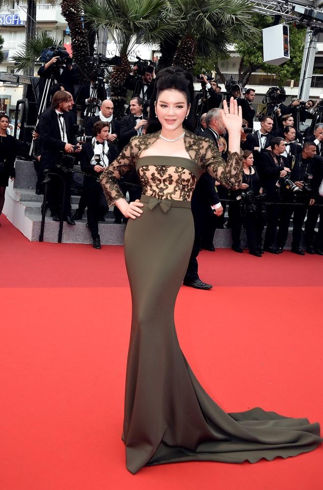 'Bà trùm' kim cương Lý Nhã Kỳ xuất hiện kiêu sa, lộng lẫy trên thảm đỏ LHP Cannes 4