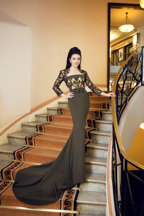 'Bà trùm' kim cương Lý Nhã Kỳ xuất hiện kiêu sa, lộng lẫy trên thảm đỏ LHP Cannes 7