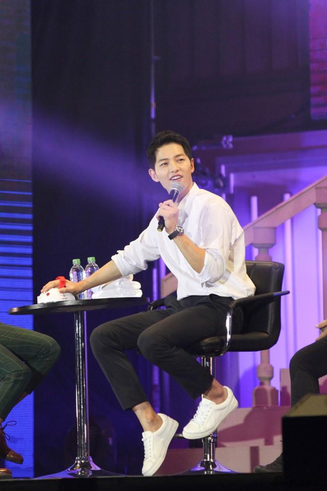 Fan thất vọng trước giọng hát của Song Joong Ki tại Trung Quốc 1