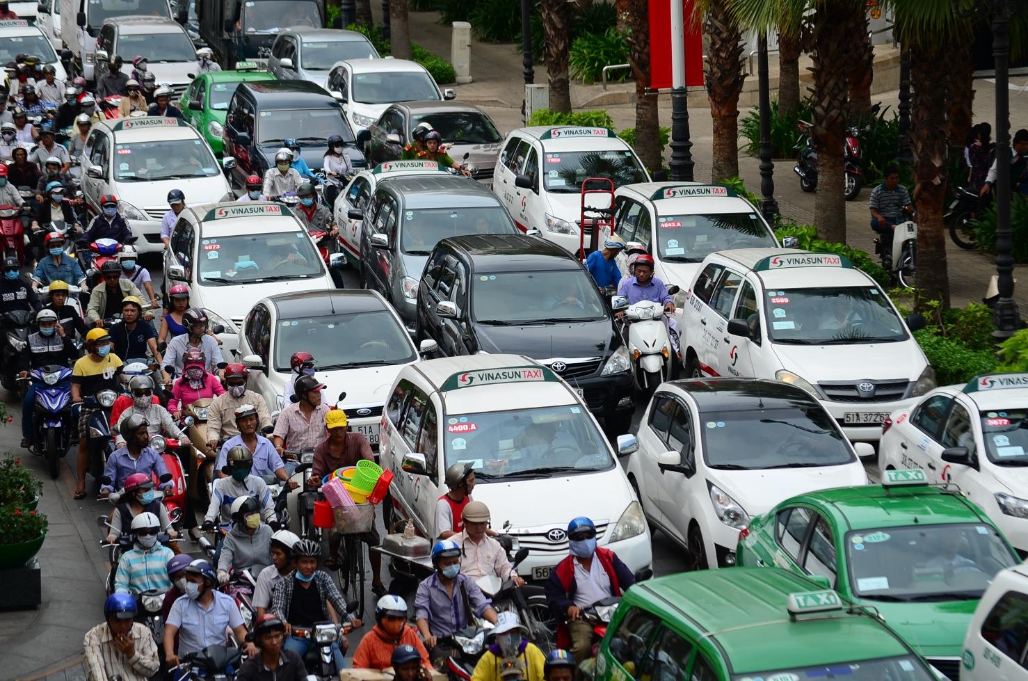 Bỏ túi 5 bí kíp lái xe trong phố dành cho những tài xế mới 2