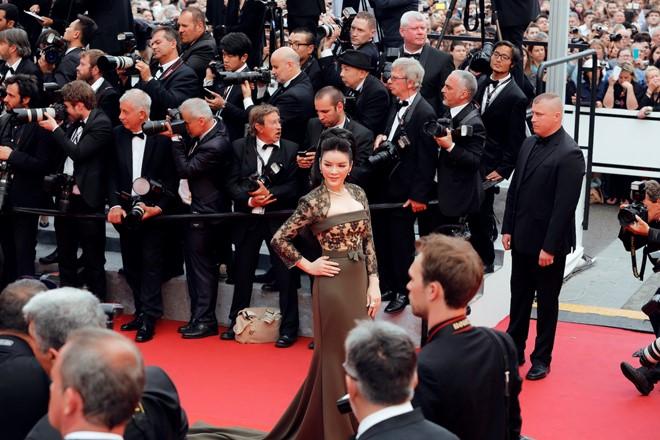 Nguyên nhân Lý Nhã Kỳ bị 'bỏ rơi' ở LHP Cannes 1