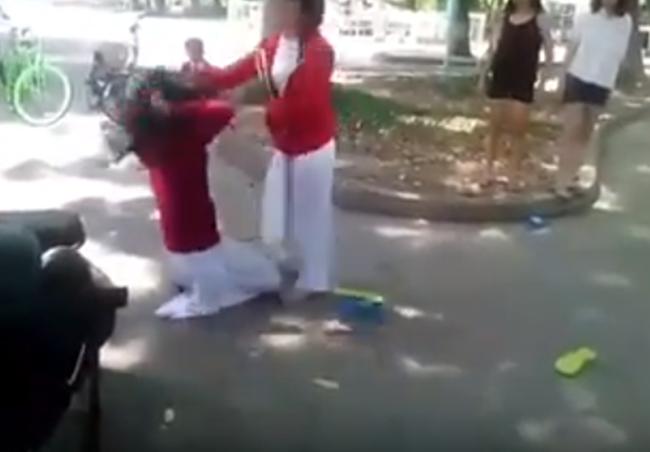 Nữ sinh Tiền Giang đánh bạn: 'Đàn chị cạch nhau, đàn em cấm xen vào' 1