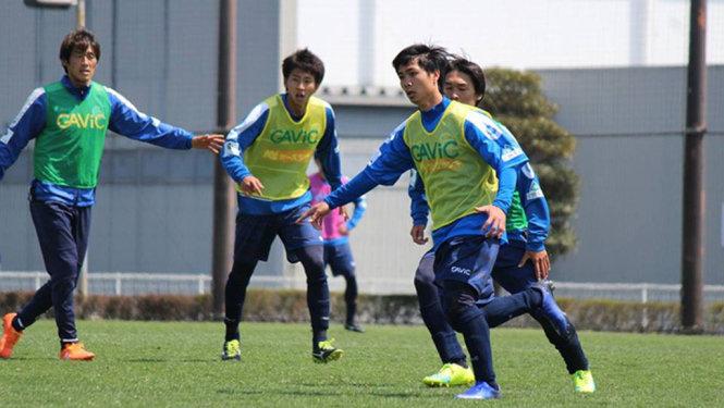 CLB Mito Hollyhock đề nghị được gia hạn hợp đồng với Công Phượng  1