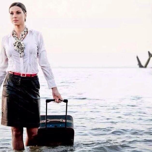 Bức hình gây ám ảnh của nữ tiếp viên trên máy bay Ai Cập 1
