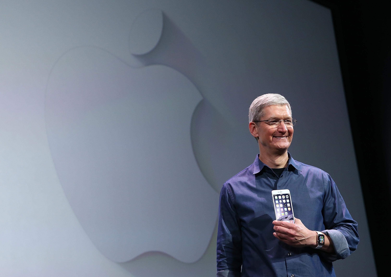 CEO Apple thừa nhận giá iPhone quá đắt đỏ 1