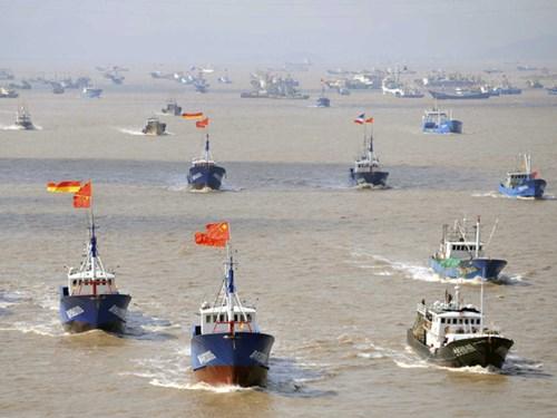 Ba tàu cá Trung Quốc bị bắt tại Nam Phi 1
