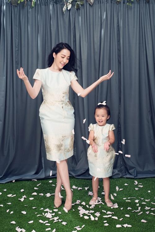 Linh Nga khoe vẻ đẹp rạng ngời bên con gái sau ly hôn 3
