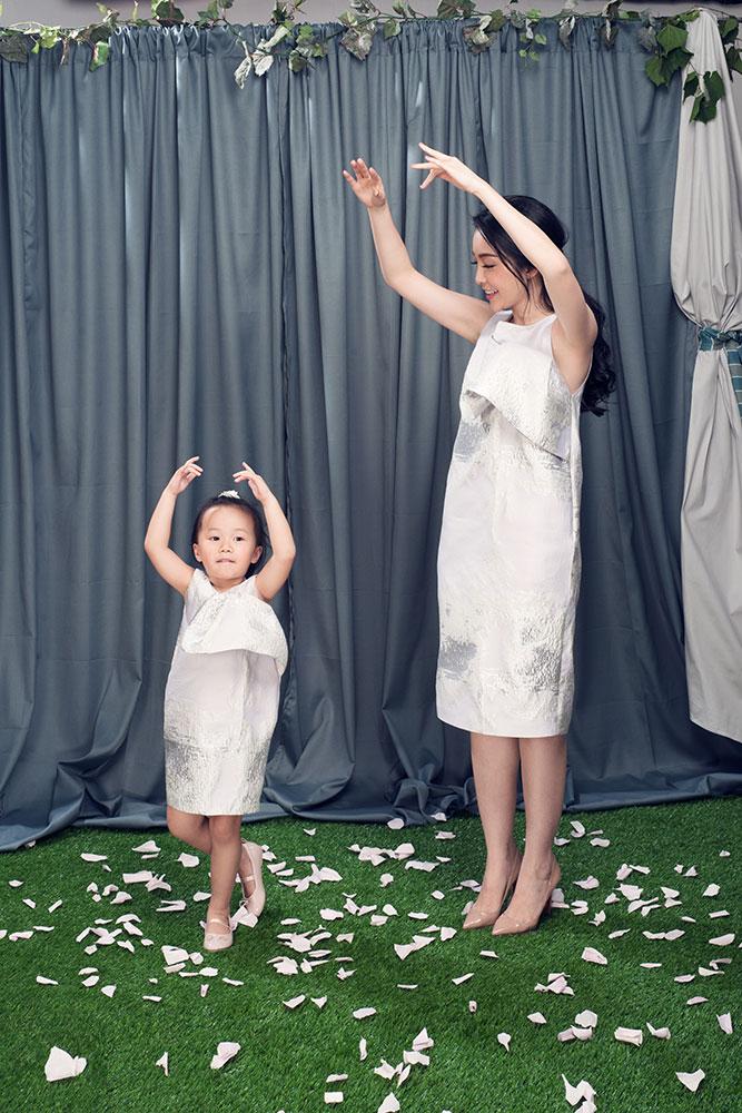 Linh Nga khoe vẻ đẹp rạng ngời bên con gái sau ly hôn 7