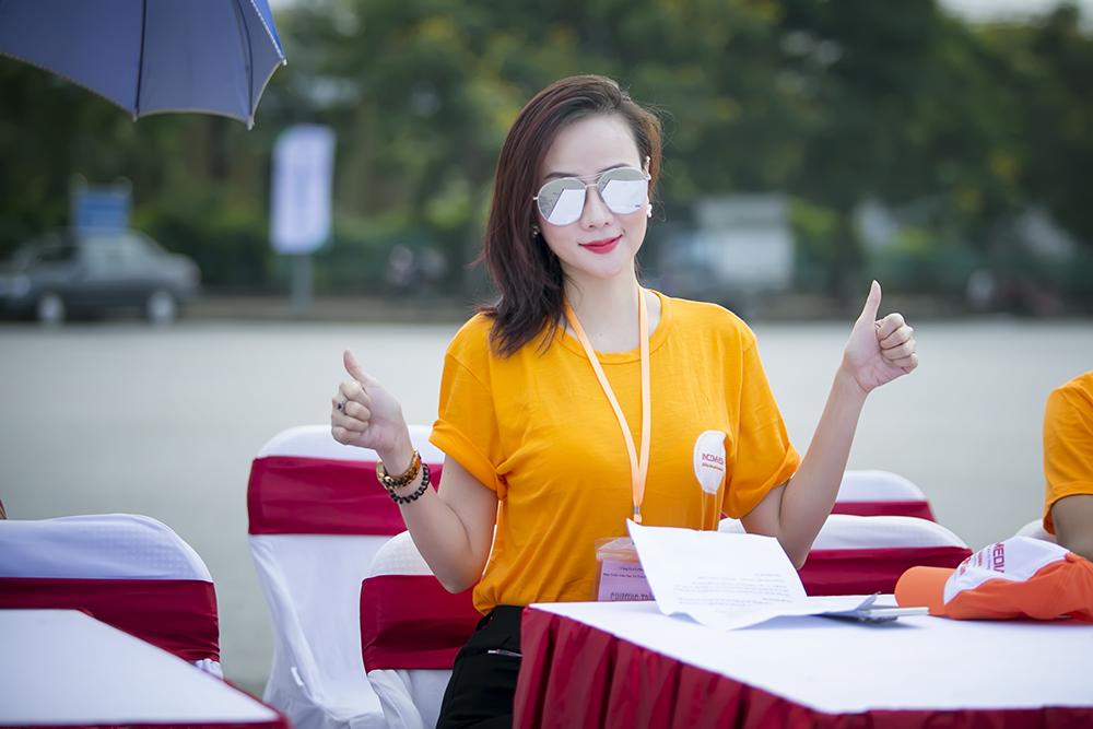 Dương Yến Ngọc đẹp giản dị và trẻ trung tham gia đạp xe từ thiện 5