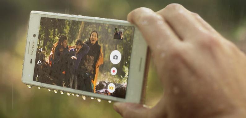 Dùng smartphone trong mưa giông, sấm sét và những nguy cơ. 1