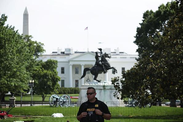 Nhà Trắng  phong tỏa an ninh sau khi phát hiện vật thể lạ 2