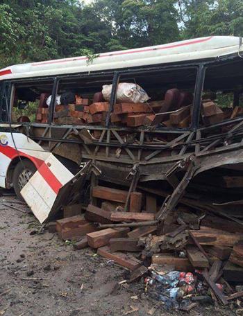 Hiện trường vụ tai nạn nổ xe khách ở Lào, 8 người Việt tử vong 2