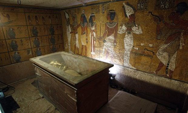 Dao găm tìm thấy trong mộ Vua Tut được làm từ sắt ngoài vũ trụ 2