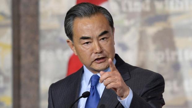 Người Canada tức giận vì thái độ của Ngoại trưởng Trung Quốc 2
