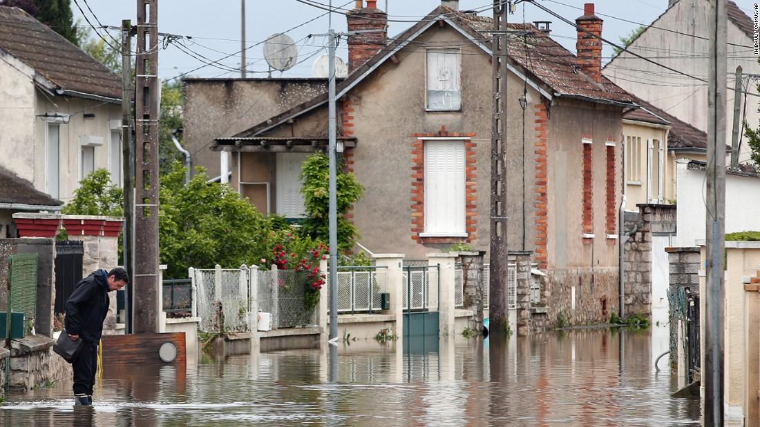 Chùm ảnh: Đại hồng thủy lịch sử tấn công nước Pháp 2
