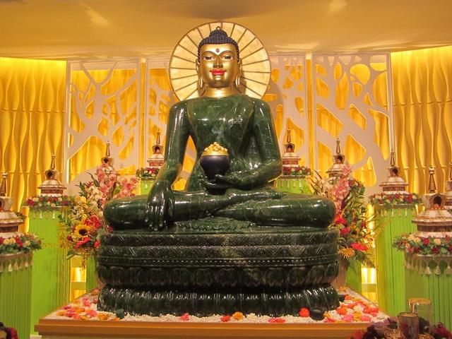 Chùa Nam Hải Đà Nẵng cung nghênh tượng Phật ngọc lớn nhất thế giới 4