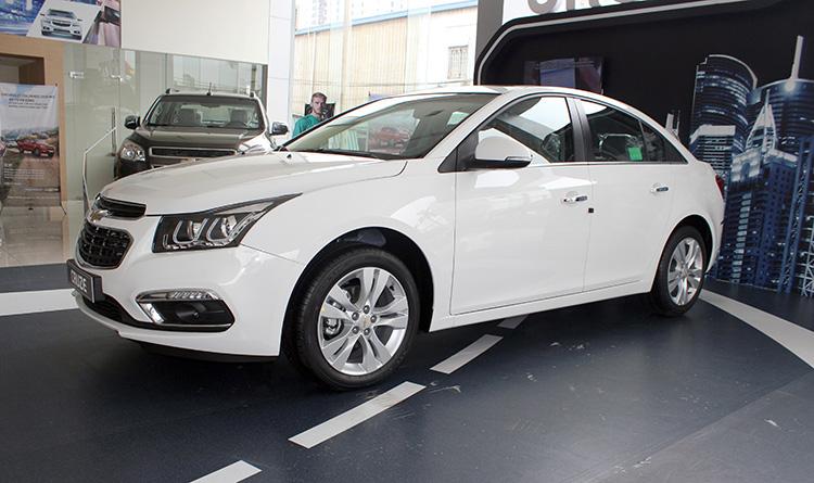 5 mẫu ô tô cũ chạy tốt giá từ 200 triệu 6