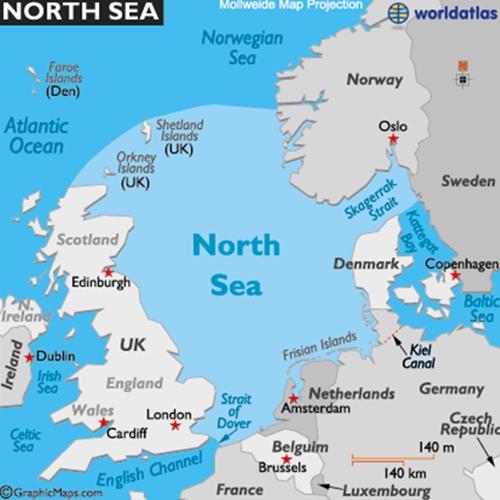 Chiến hạm Anh chặn tàu ngầm Nga 3
