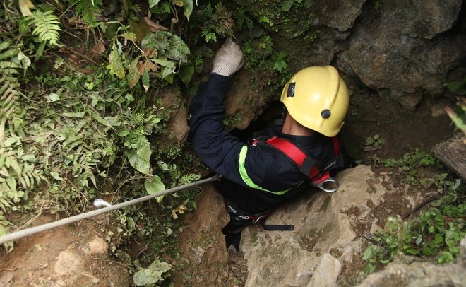 Vụ 3 phu vàng mắc kẹt dưới hang sâu: 1 nạn nhân đã tử vong 1