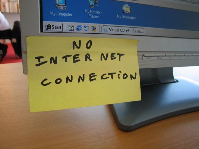 Công chức Singapore không được dùng internet ở công sở 2