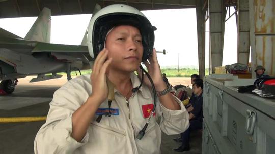 Một phi công Su-30 được tàu cá Hà Tĩnh cứu sống sáng nay