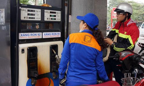 Có nhiều khả năng sẽ điều chỉnh giảm giá xăng dầu trong nước ? 1