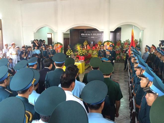 Hình ảnh Nghẹn ngào lễ viếng Đại tá phi công Su-30MK2 Trần Quang Khải số 2