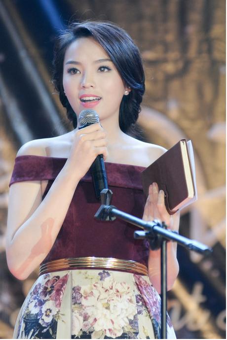 Hoa hậu Việt và những lần muối mặt vì trình độ ngoại ngữ 1