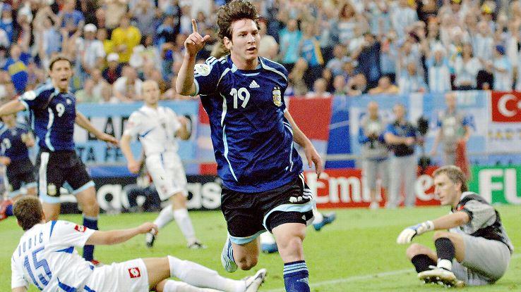 Messi: 11 năm thăng trầm cùng ĐT Argentina 4
